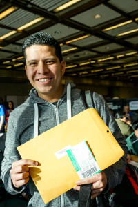 Immigrants rush to win citizenship before Trump takes power | Crosscut