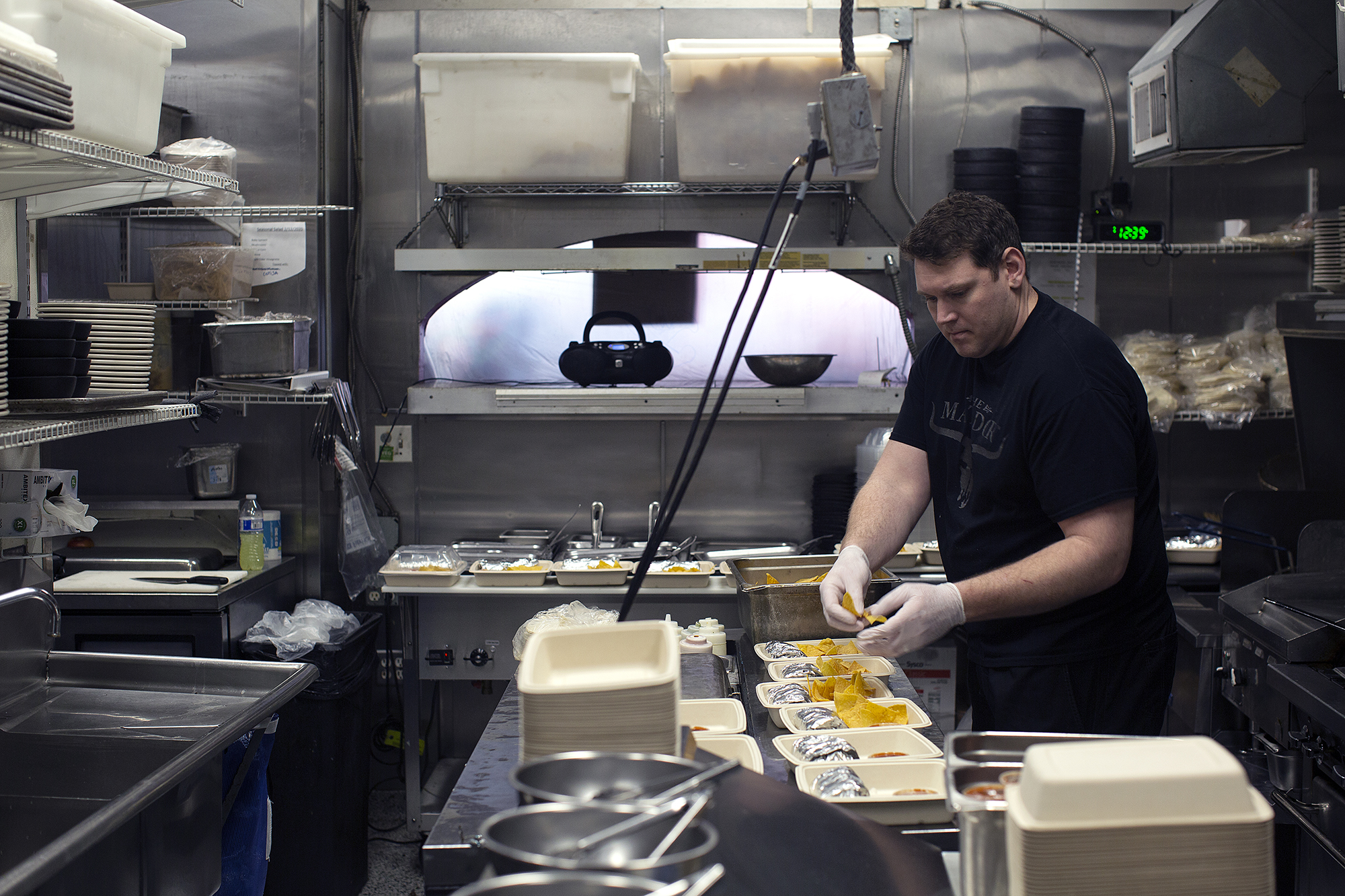 Seattle Restaurants Are Keeping Hospital Staff Fed And Picking