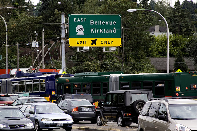 Bellevue_Kirkland_sign.jpg