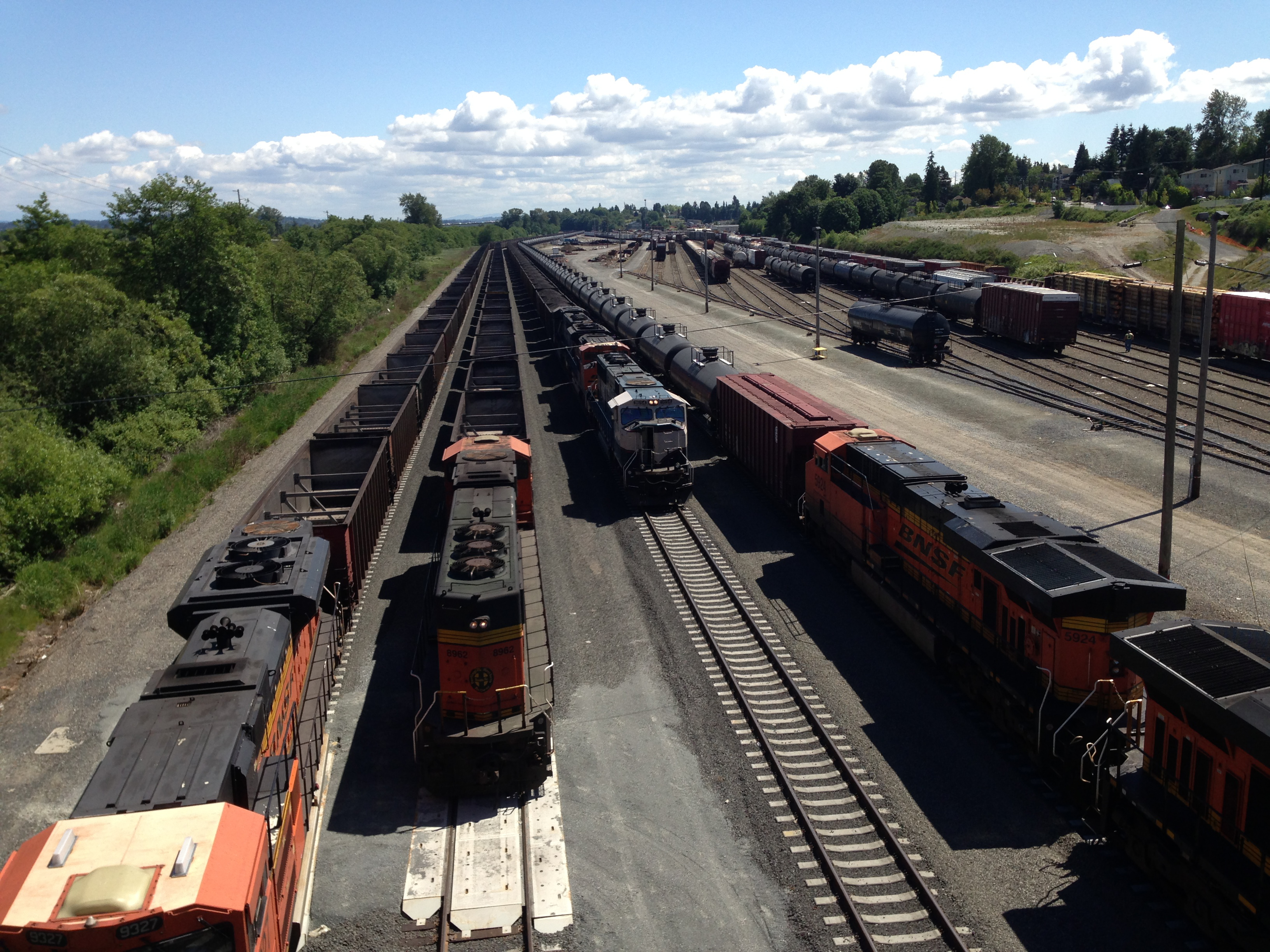 CoalOil_trains.Everett_Floyd_McKay1.jpg