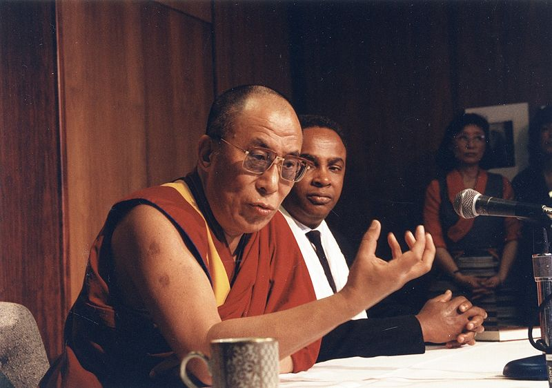 Dalai_Lama_and_Seattle_Mayor_Norm_Rice_1993.jpg
