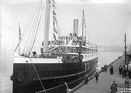 Princess_Sophia_possibly_at_Vancouver_ca_1915.jpg