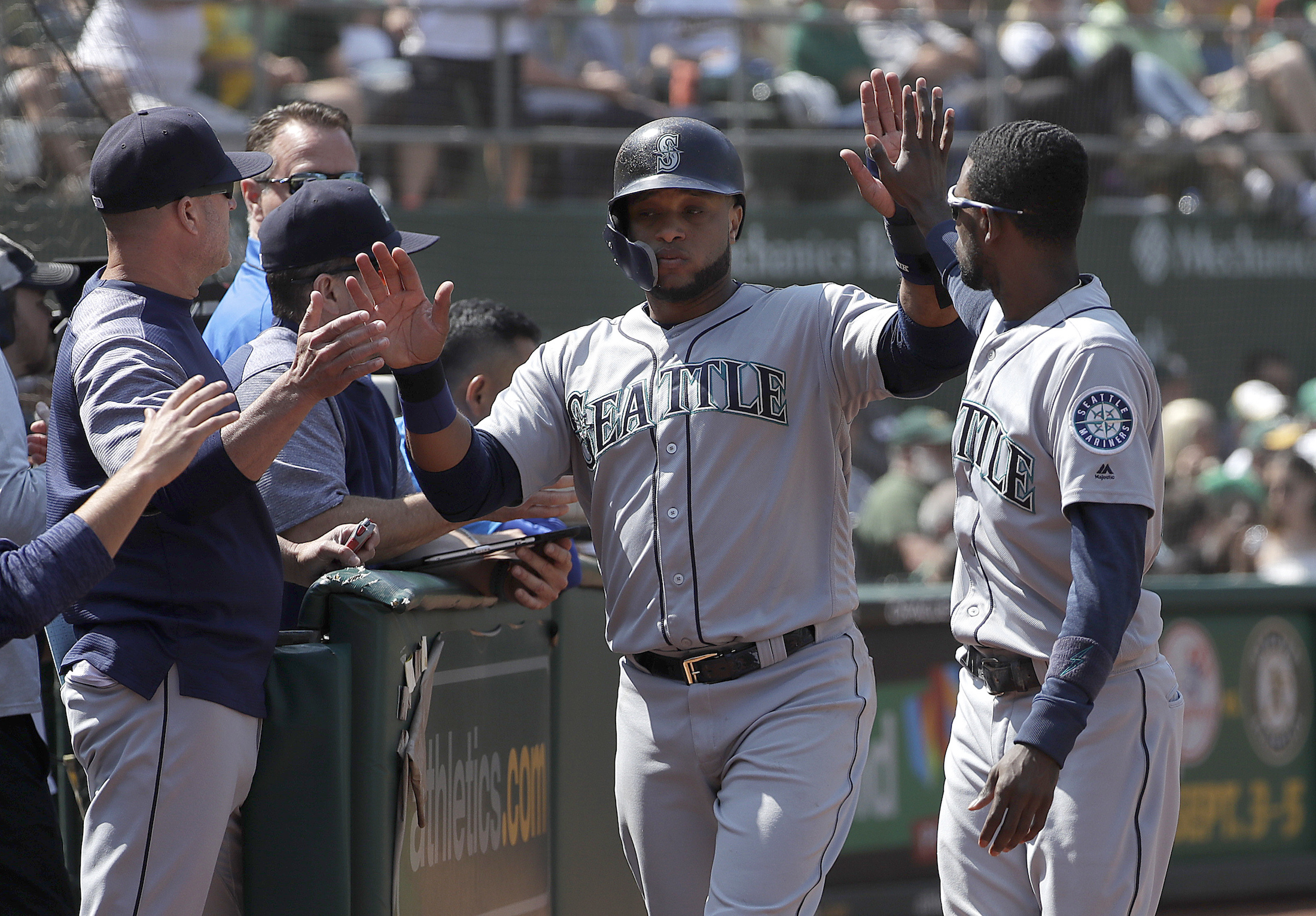 Dealing with the heartbreak of a maddening Mariners  season fff59532546f