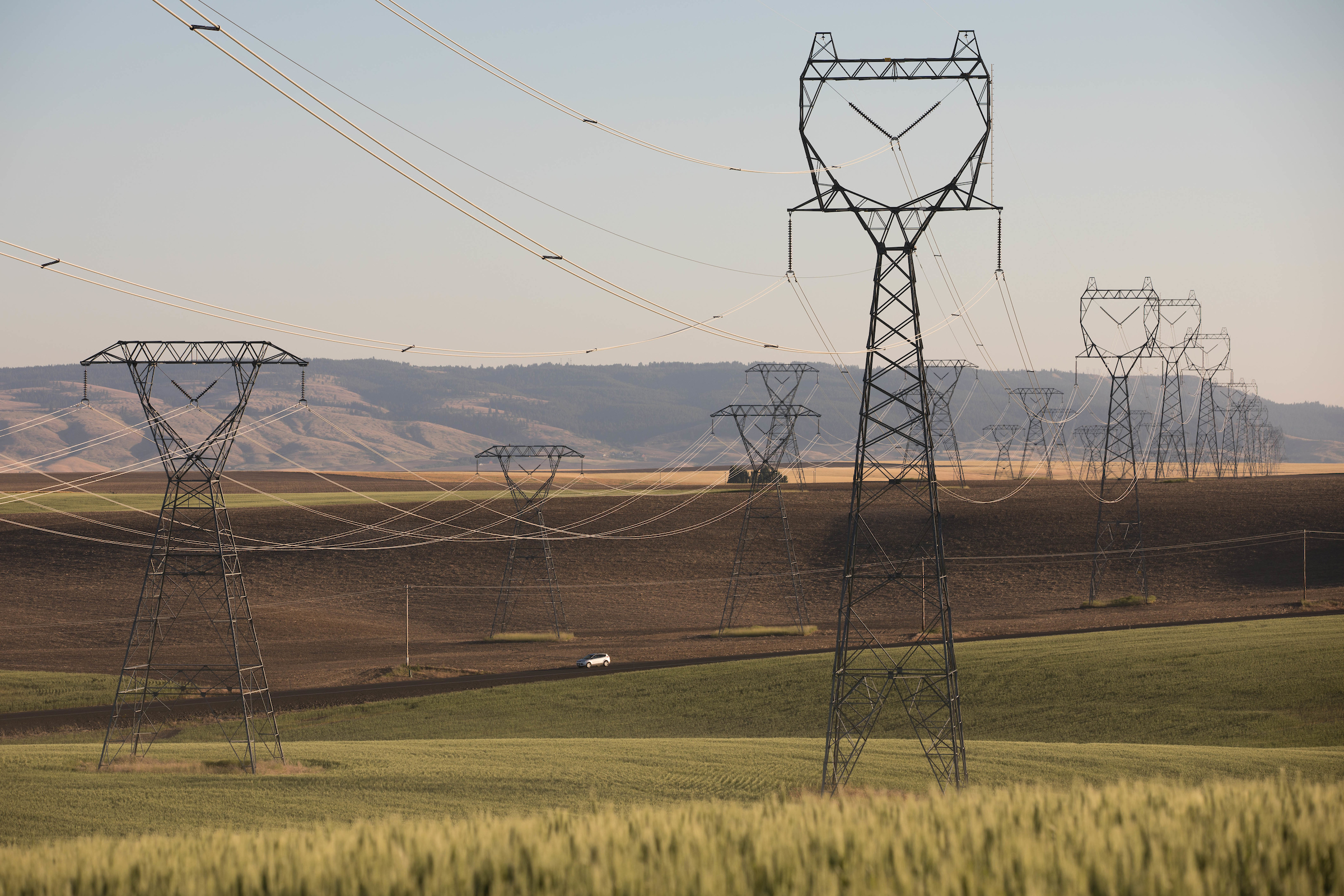 City Light Could Face Class Action Suit Over Billing Troubles Crosscut Electricity In Transmission Towers Seen Along The Waterville Plateau Eastern Washington State July 21 2017 While It Has Its Own Power Generating Facilities