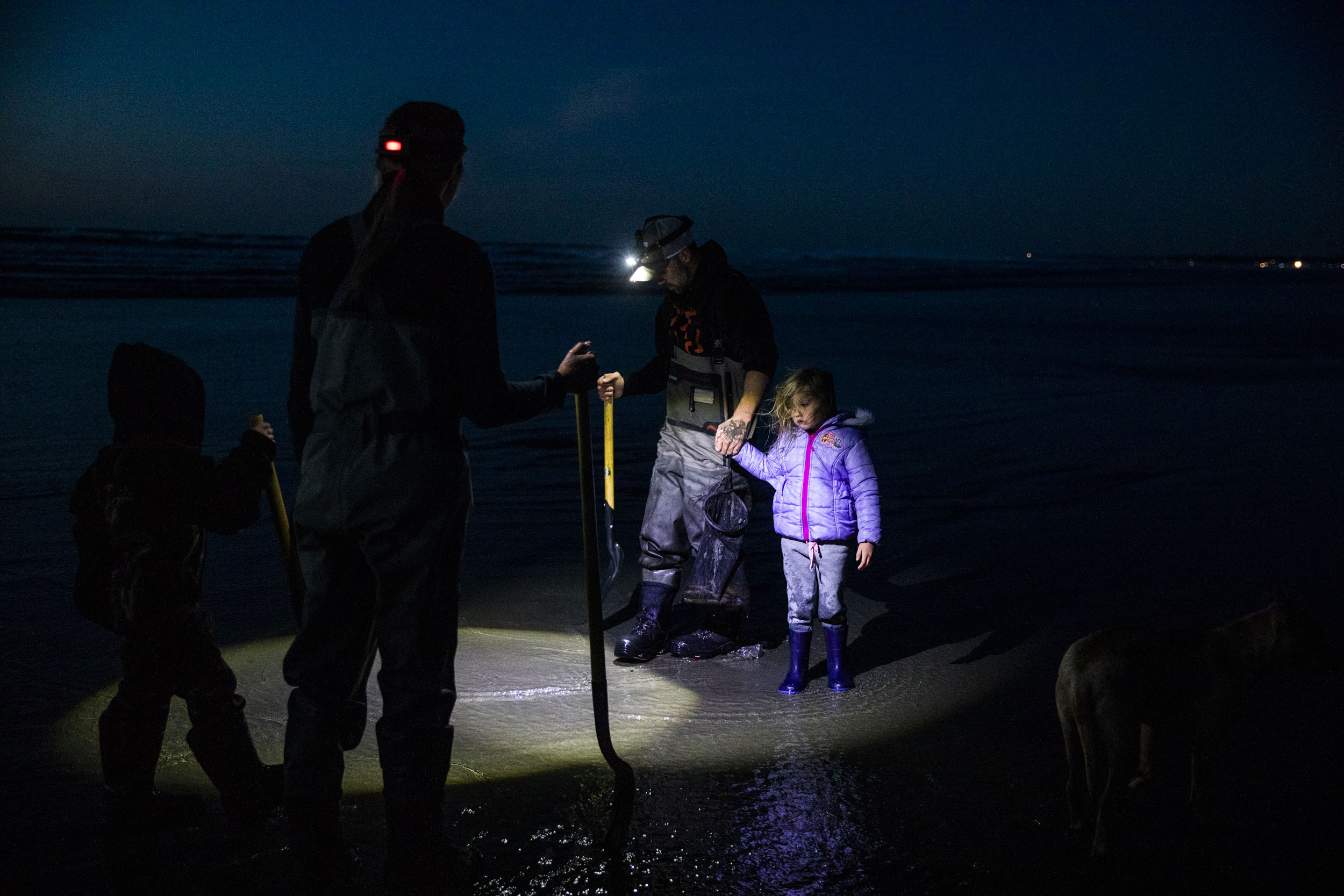 For WA's 'razor clam guy,' digging is a family affair | Crosscut
