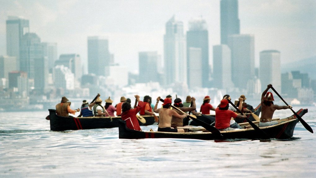photo of Quileute canoers paddling to Seattle