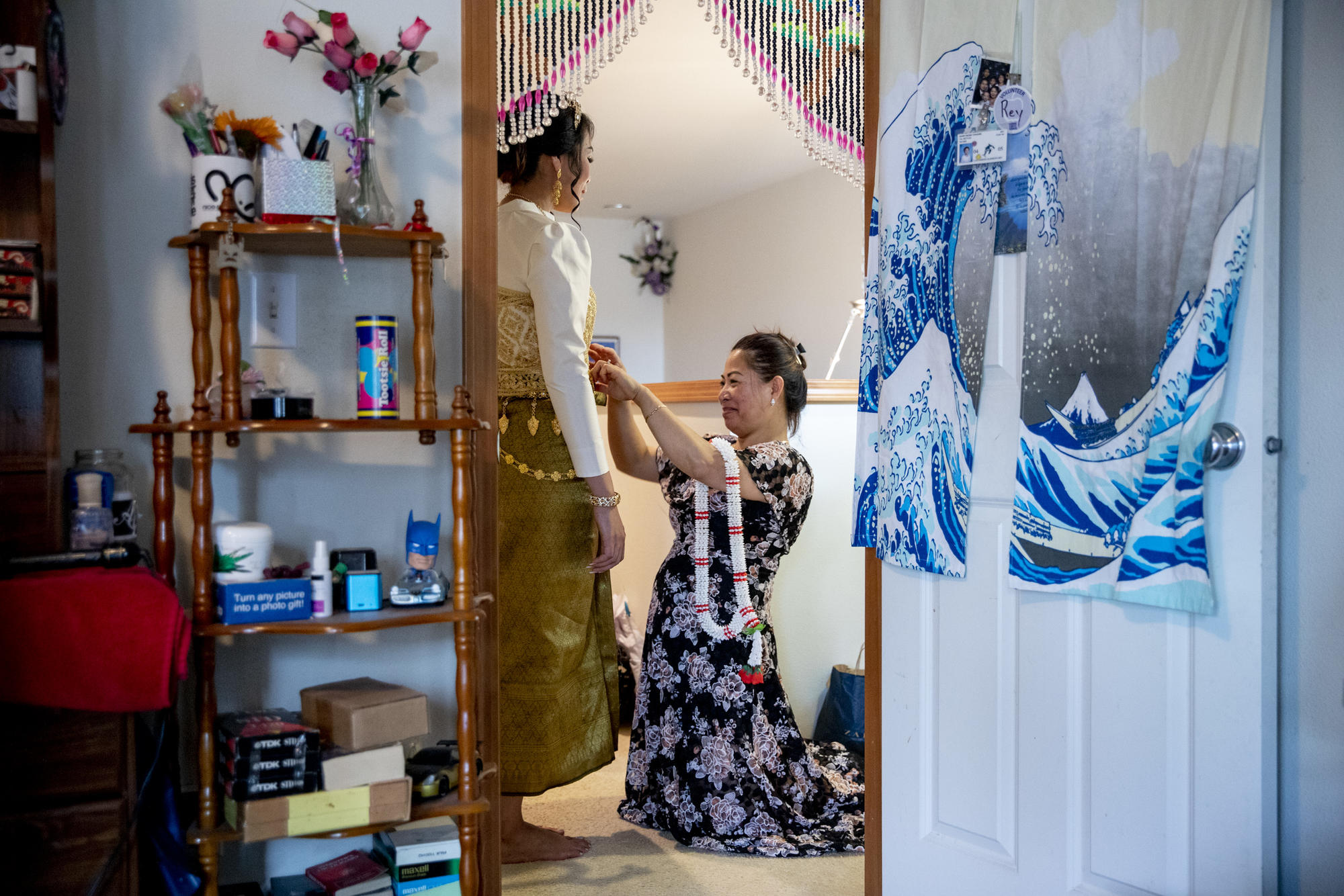 Framed Cambodian Wedding Stylist Keeps Culture Alive One I Do At A Time Crosscut