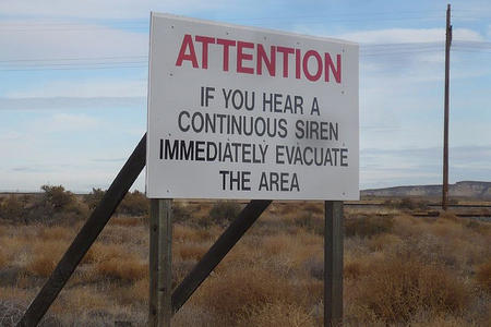 Hanford_warning_sign.jpg