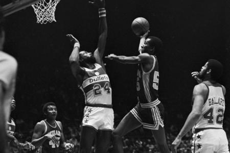 Spencer Haywood, Louis Orr