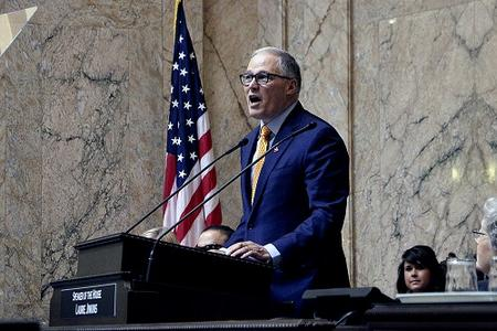 Jay Inslee speaks in the House chamber