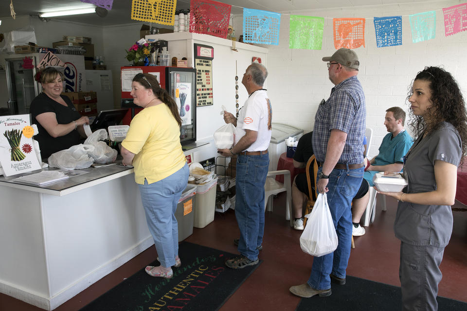 Customers in line at Los Hernández Tamales