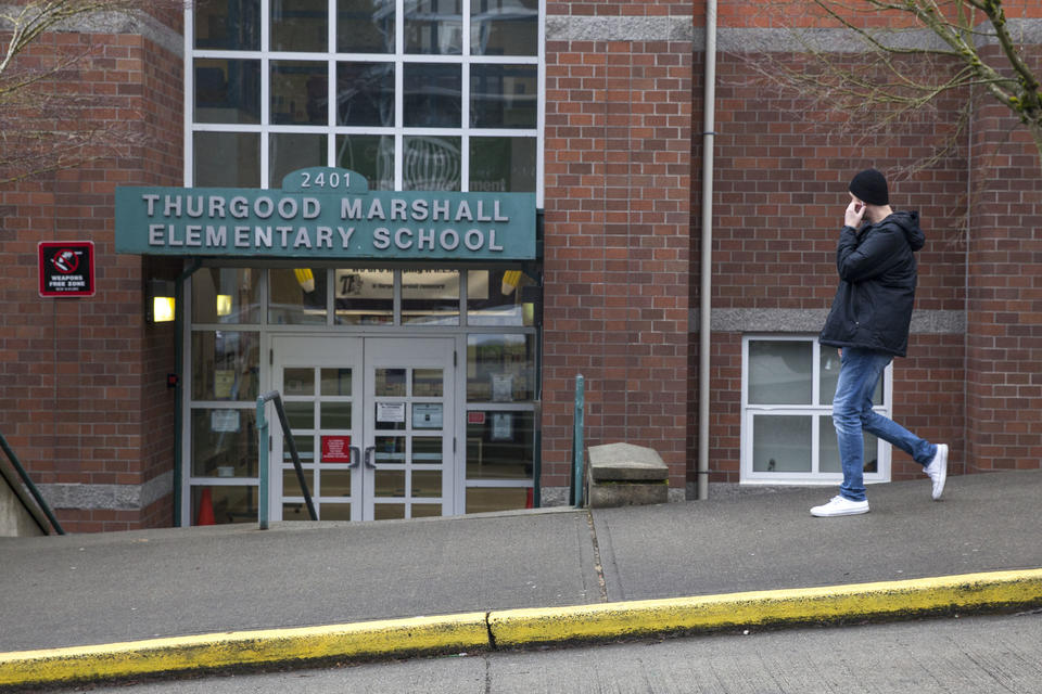 Seattle schools face backlash for advising Muslim students
